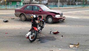 ДТП в Пружанах: Mercedes сбил мотоциклиста на «Яве»