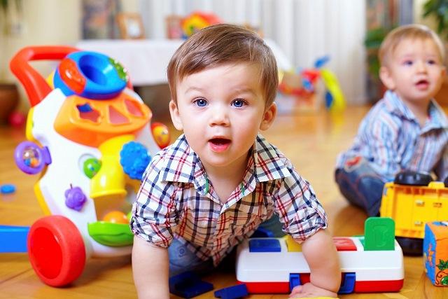 детские радиоуправляемые и развиващие игрушки для малышей