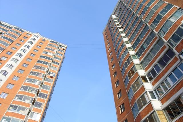 покупка квартиры, Пожилая женщина упала с 14 этажа жилого дома в Бресте