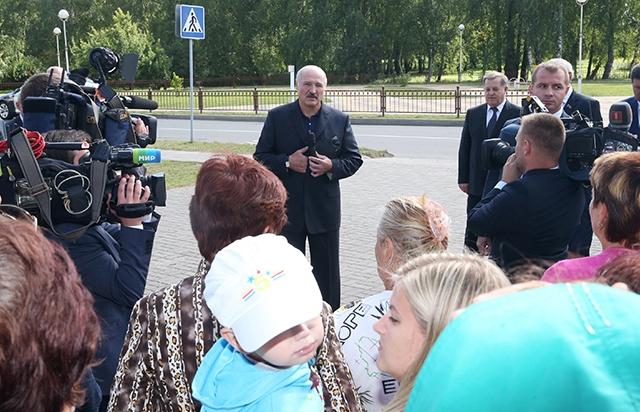 Александр Лукашенко: в Беларуси не зарабатывает только ленивый