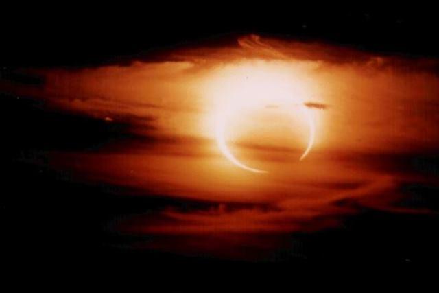 Затмение луны - фото