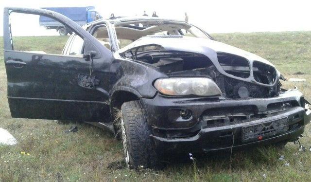 Под Столином пару раз опрокинулся БМВ X5 с нетрезвой компанией: шофёр умер