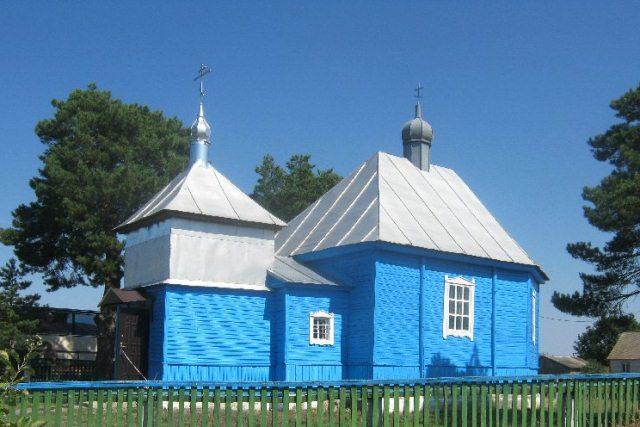 В Пинском районе из церкви похитили старинные иконы - фото церкви в Месятичах