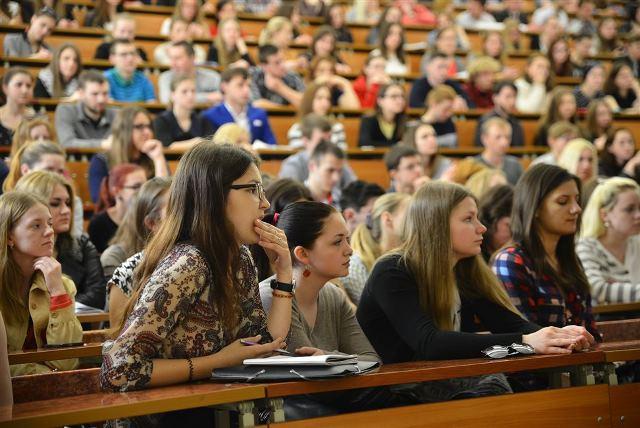 Студентам при отказе от распределения не придется возвращать стипендию