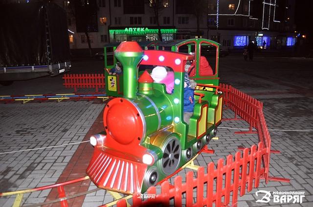 В Пинске открыли главную ёлку города