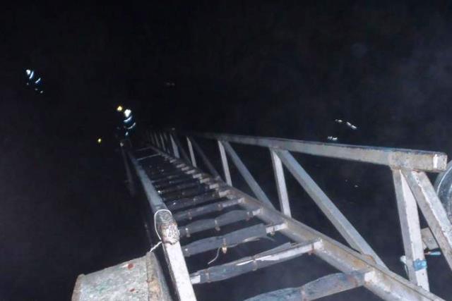 Работники МЧС спасли мужчину на пожаре в Пинске