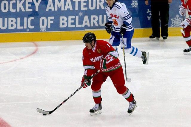 Лукашенко забросил 4 шайбы впобедной игре против Балкан