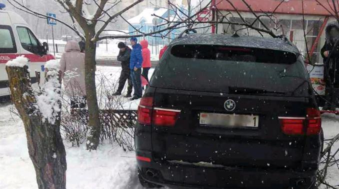 ВБресте умер шофёр БМВ X5: ему стало плохо зарулем
