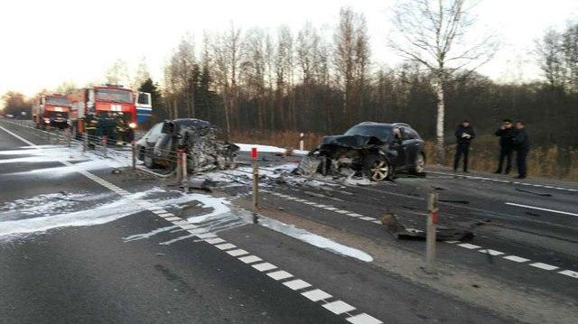 ВДубровенском районе лоб влоб столкнулись два автомобиля