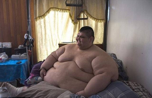 Покажите фото голых толстых мужчин24