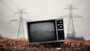 Телевизор упал на малыша