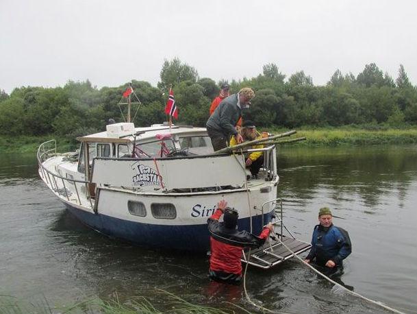 Норвежская яхта села намель вДубровенском районе