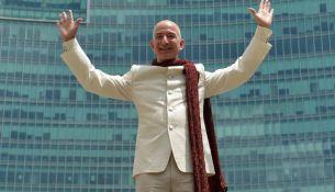 Джефф Безос, Основатель Amazon стал самым богатым человеком в истории