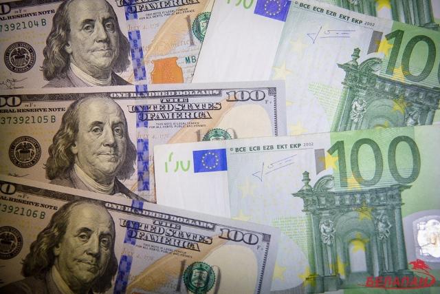Нацбанк отменяет ограничения по целевой покупке инвалюты юрлицами и ИП
