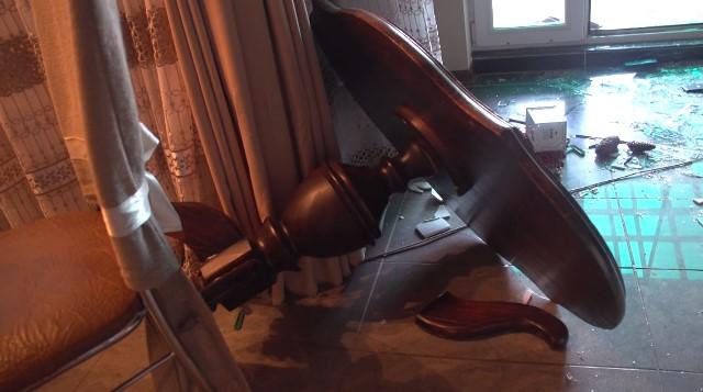 видео с места разбойного нападения на частный дом ИП в Пинске