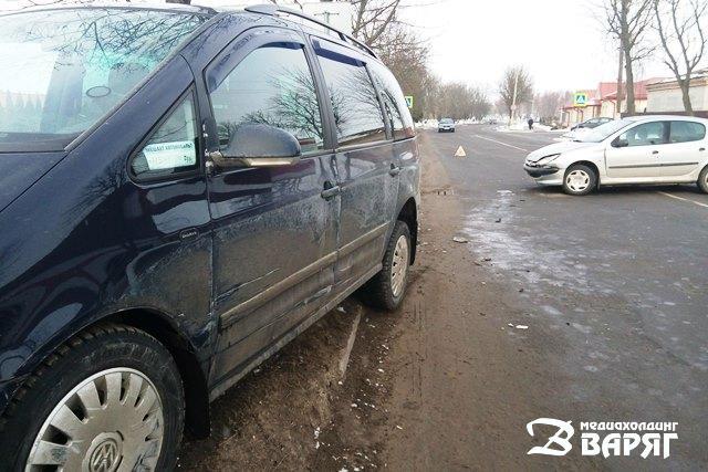Фото: Два ДТП в 5 метрах друг от друга произошли в Пинске на ул. Рокоссовского
