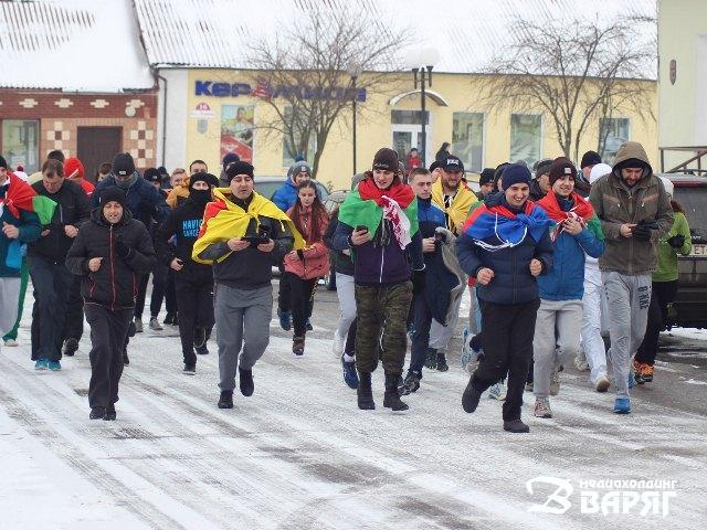 «Зимние беговые игры: #velcombegom»