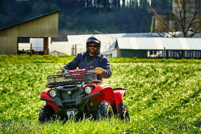 ГАИ напоминает: езда на квадроциклах по сельхозугодьям запрещена - фото