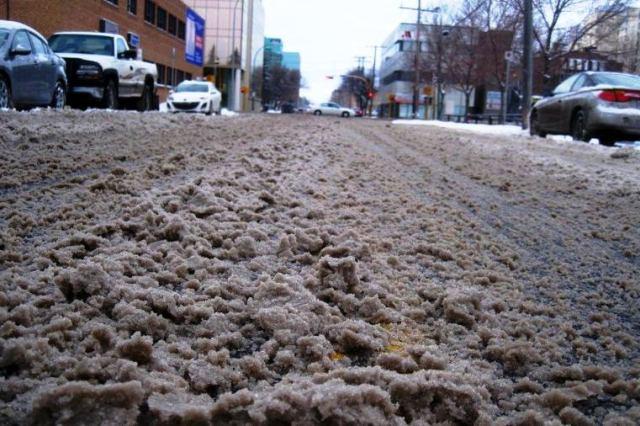 В ненастную погоду ГАИ рекомендует автомобилистам быть предельно внимательными - фото