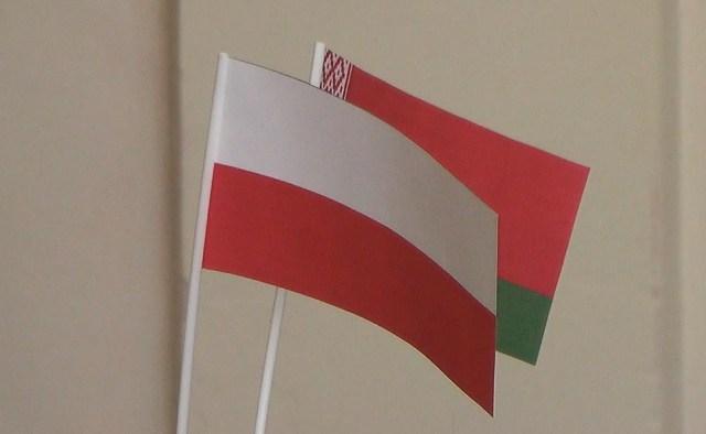 Флаги Польши и Беларуси - фото