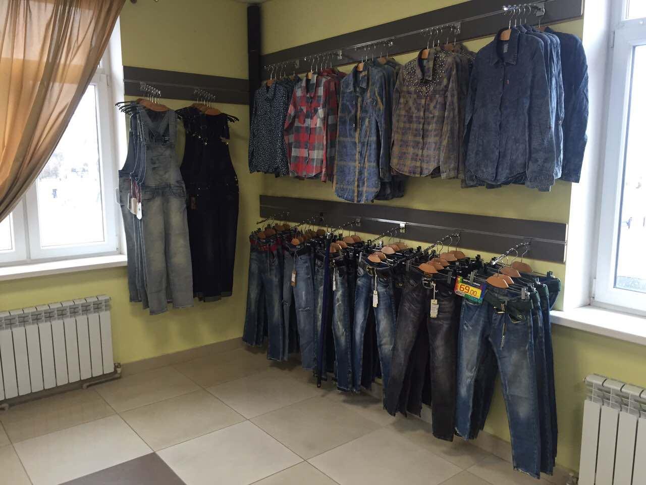 «Мега-джинс»: самый большой магазин джинсовой одежды открывается в Пинске - фото