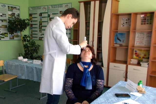 Медицинская акция в Парохонске -фото
