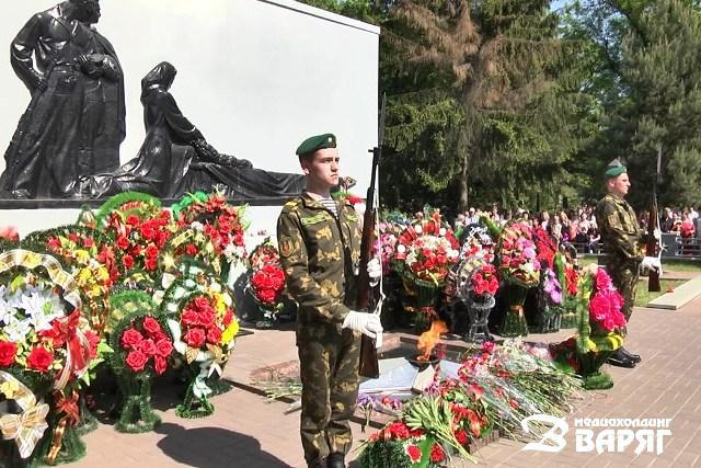 Мемориальный комплекс освободителям Пинска - фото