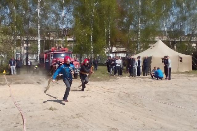 Соревнования пожарных дружин - фото.