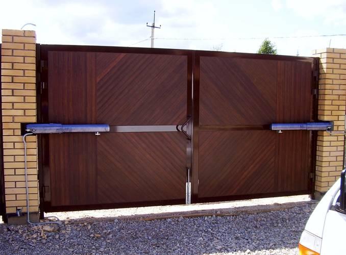 распашные ворота - фото