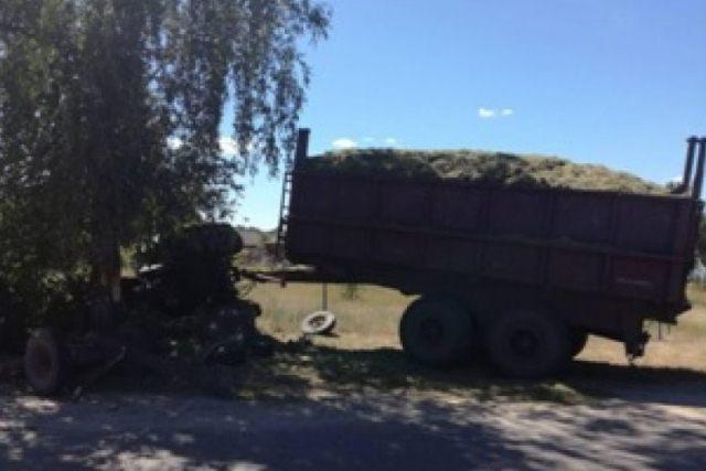 Тройное ДТП в Пинском районе: трактор врезался в МАЗ и гужевую повозку