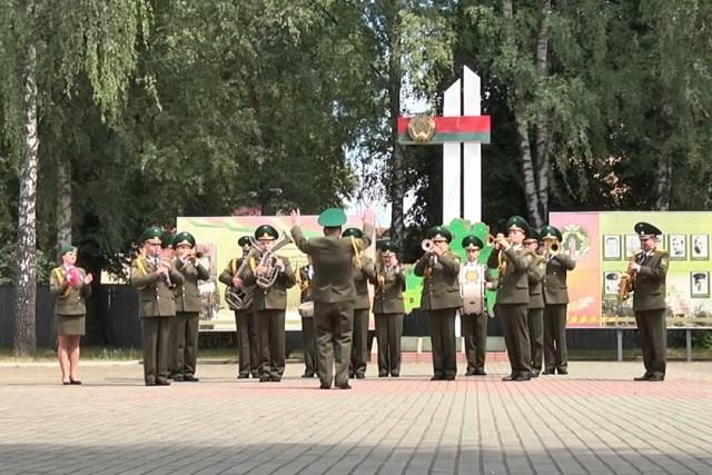 Военный оркестр - фото
