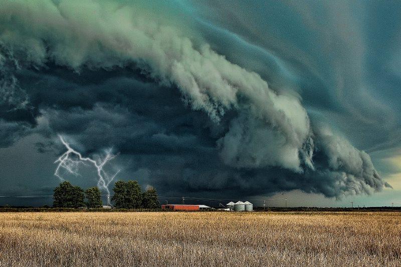 Экстренное штормпредупреждение! Сегодня во второй половине дня - сильный ливень и грозы - фото