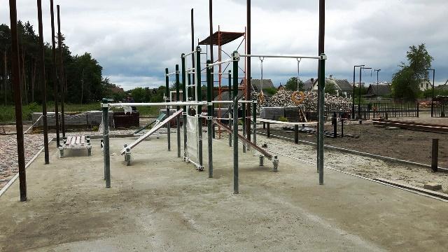 В Пинске на средства прихожан храма строится workout-площадка - фото
