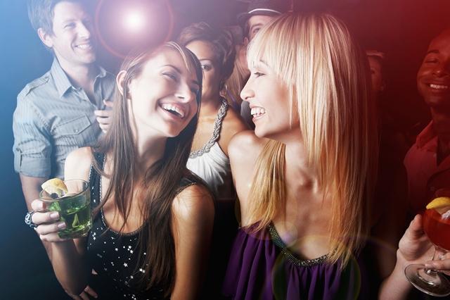 Как выбрать безупречное клубное платье - фото