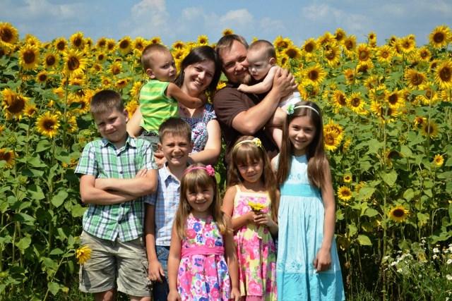 многодетная семья - фото