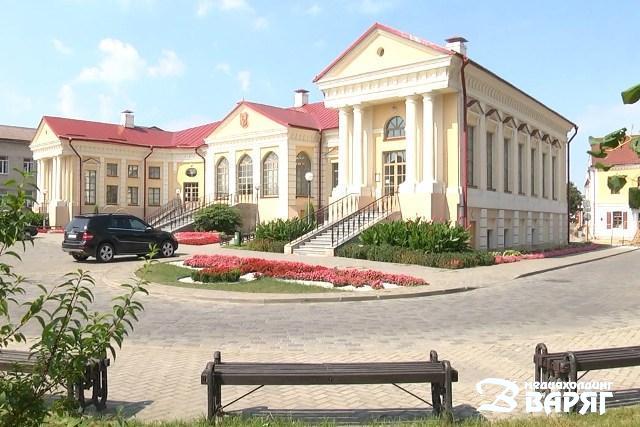 Дворец Бутримовича в Пинске - фото