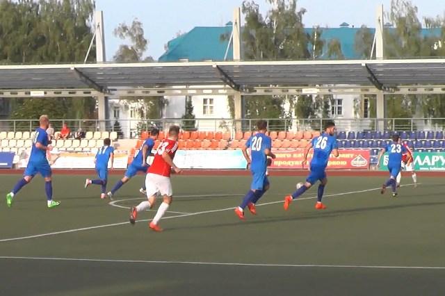 Футбольный матч - фото
