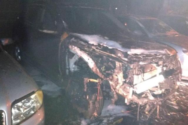Пожар в автомобиле - фото