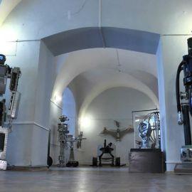Выставка роботов - фото