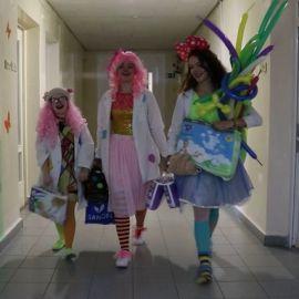 Больничные клоуны - фото