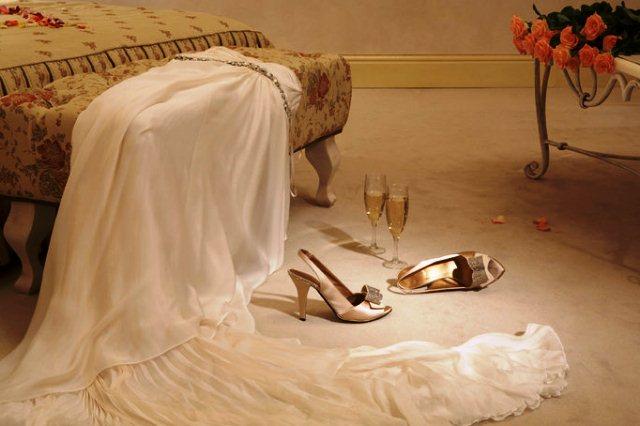 первую брачную ночь - фото
