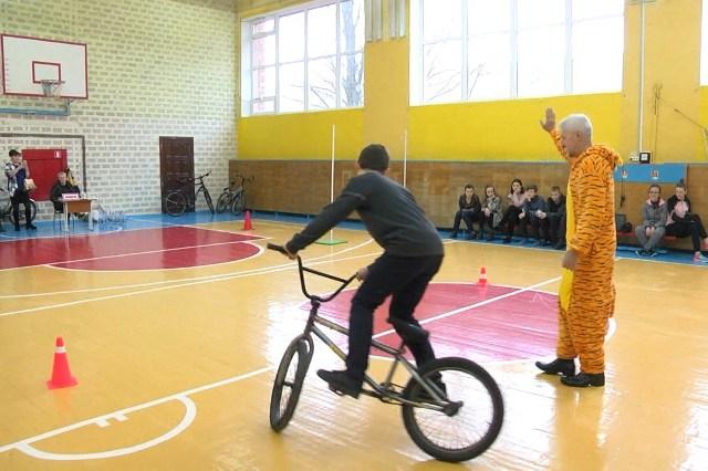 Велосипедист - фото