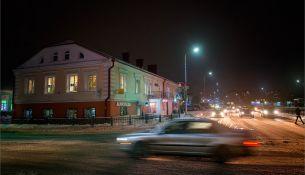 Уличное освещение - фото