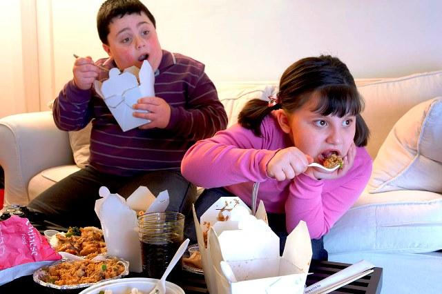 законодательно ограничить калорийность - фото