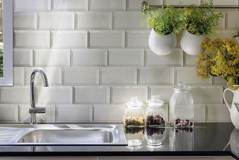 Облагораживание кухни керамической плиткой - кафель, фото