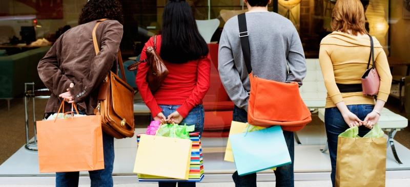 Социальная зависимость и расходы - фото