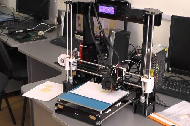 3D-принтер - фото