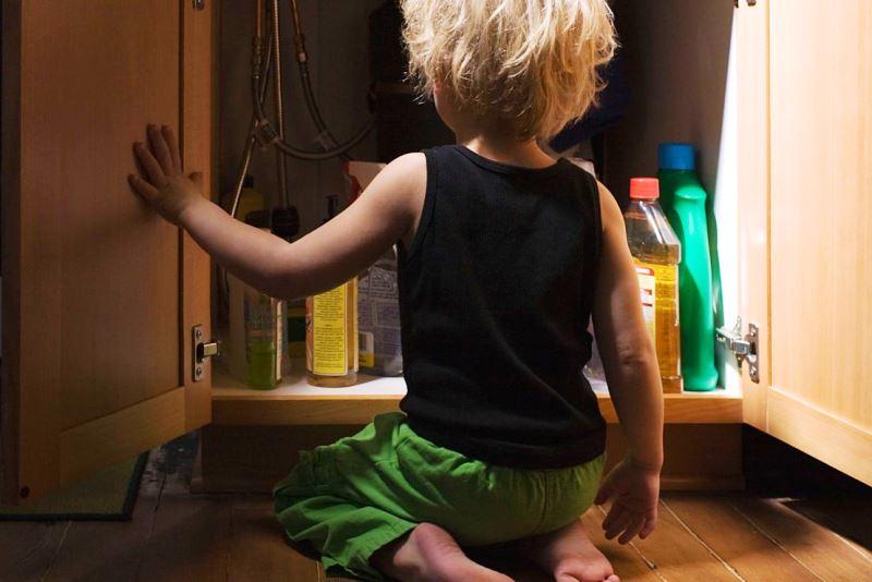ребенок отравился - фото