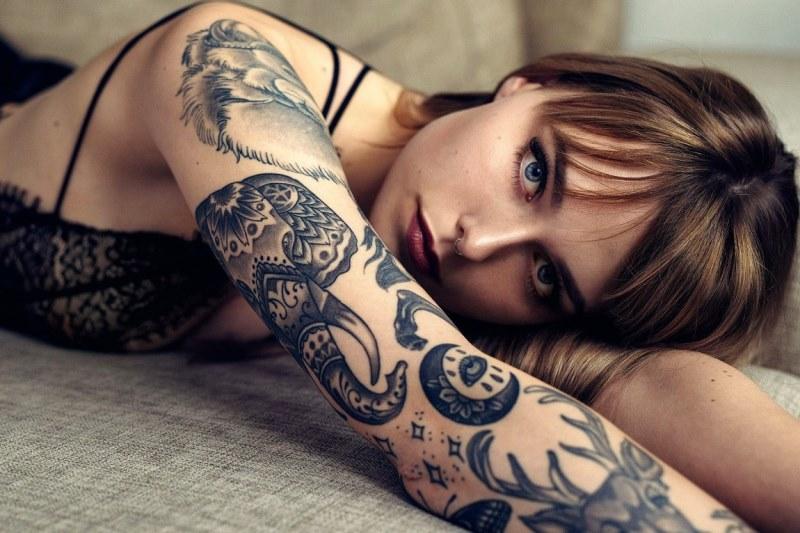 Секреты правильного заживления татуировки - фото
