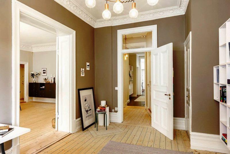 белые двери - фото